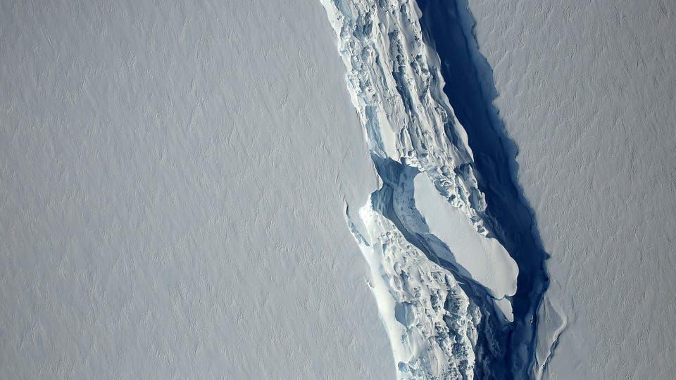 Desprendimiento en la Antártida: se formó un iceberg de 5800 km cuadrados