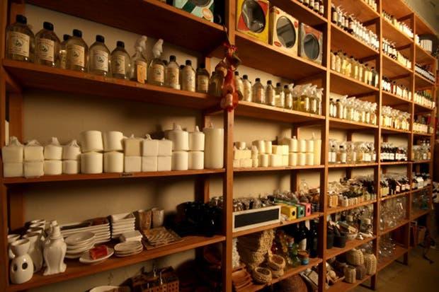Perfumes, esencias y jabones en la tienda Época Bella.
