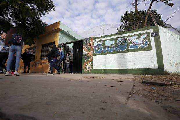 Delincuentes ingresaron en tres oportunidades durante mayo en la Escuela Secundaria 36, de Bernal