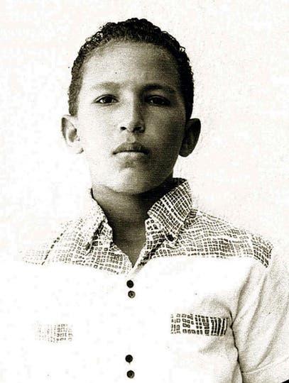 Foto sin fecha, Hugo Chávez se ve en una foto familiar en Barinas, Venezuela.. Foto: AP