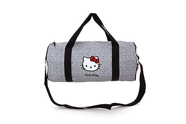 Estilo sweety. Bolso Hello Kitty en forma de tubo para llevar de todo (Top 3, $145).