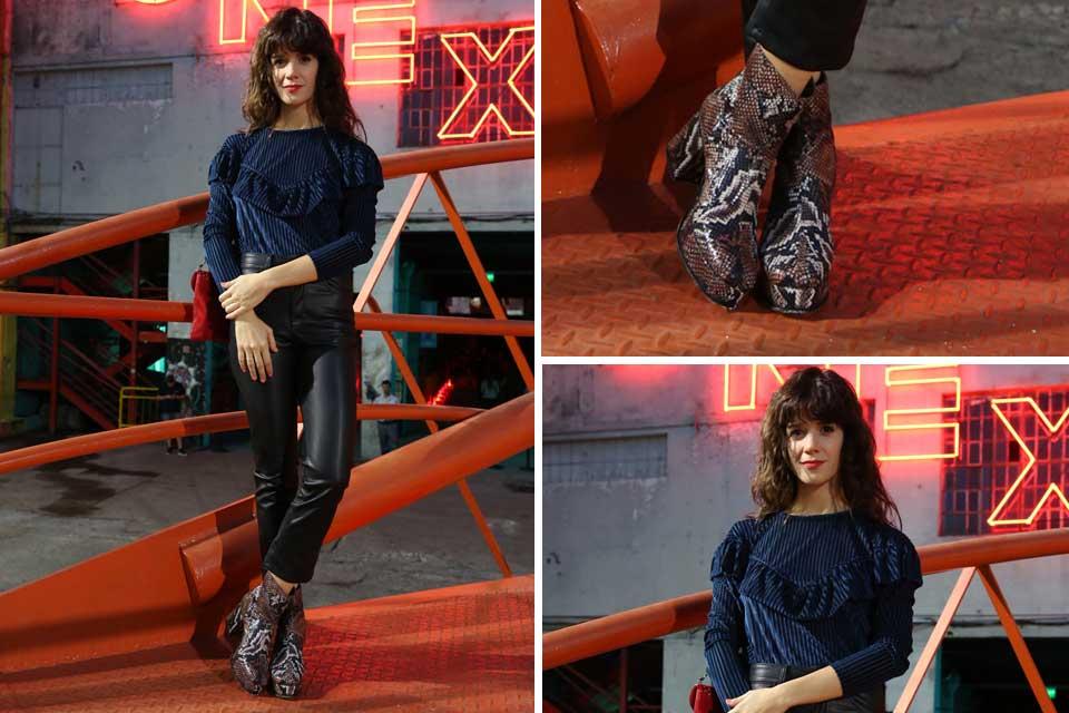 Violeta Urtizberea se inclinó por un look bien rocker: pantalones engomados y botas con print de serpiente .