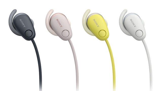 Unos auriculares Sony Wi-SP600N; permiten interactuar con Google Assistant vía el teléfono