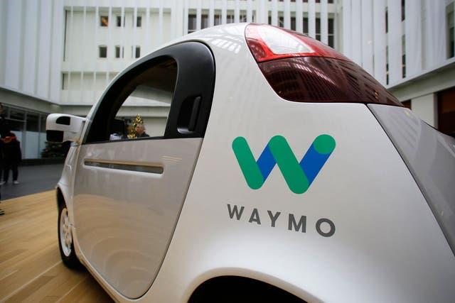 Waymo, la firma de vehículos autónomos de Google, mantuvo un juicio con Uber por el robo de información confidencial, una disputa que finalizó tras un acuerdo millonario
