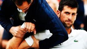 Djokovic pide atención por su hombro: los dolores lo hicieron abandonar ante Berdych