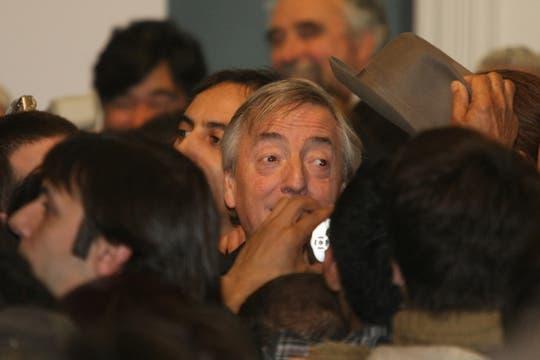 Néstor Kircner al finalizar los anuncios se retira del salón de la Mujer. Foto: LA NACION / Alfredo Sánchez