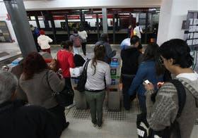 En la estación Lacroze, de la línea B, últimos días de viaje a $ 2,50