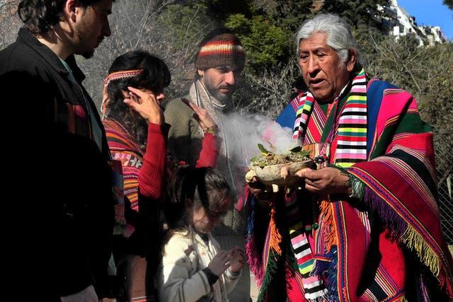 Ceremonia de la pachamama en el Zoo porteño