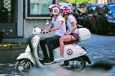 Alquilaron la moto en Roma, pero llevaron sus propios cascos desde Buenos Aires. Motorizados, disfrutaron del calor en la capital italiana. Para Lucía, fue su primer viaje a la Ciudad Eterna. También visitaron el Vaticano, donde subieron a la cúpula de la Basílica de San Pedro.