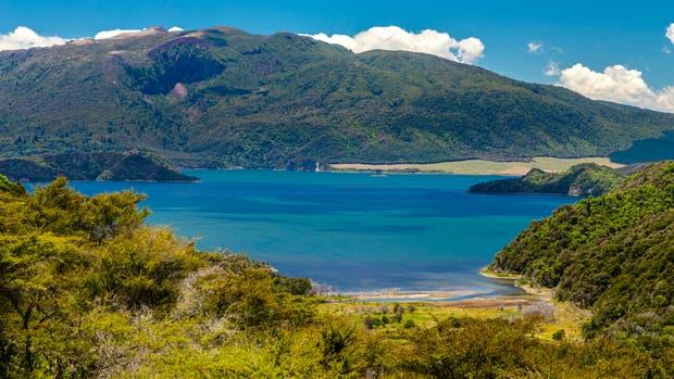 Las terrazas rosadas y blancas del lago Rotomahana son la octava maravilla del mundo