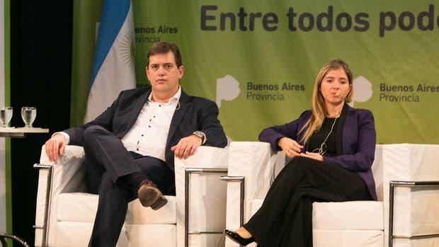 Lisandro Ganuza y Carolina Cuenca en la jornada de zonas francas, en Buenos Aires
