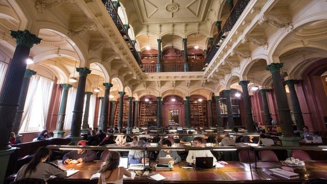 Biblioteca del Palacio Pizzurno. Foto: LA NACION / Ignacio Sánchez