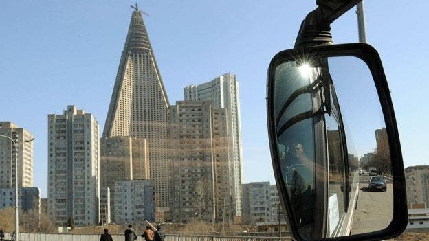 El inacabado hotel se convirtió en un recordatorio de las ambiciones frustradas del régimen totalitario del país asiático
