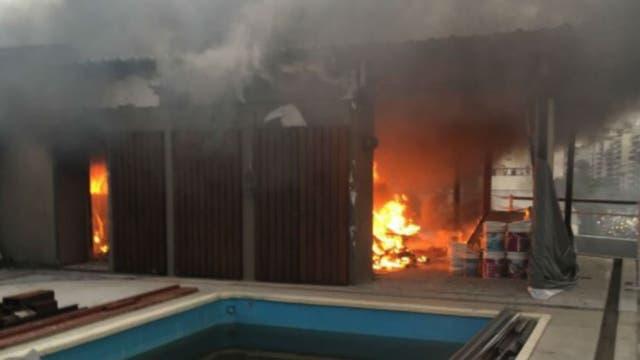 Se incendió la terraza del lujoso Palacio Alcorta, en Barrio Parque