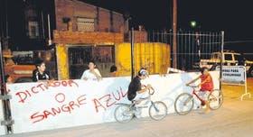 Funcionarios de San Fernando se presentarán hoy a la justicia para que frenen la construcción del muro