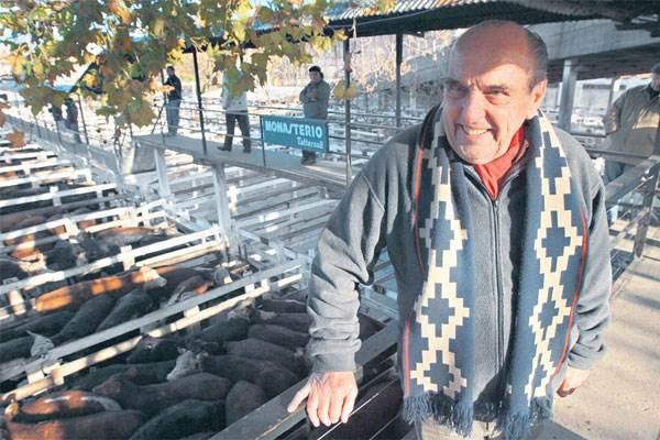 Para Esteban D'Apice, las pasarelas del Mercado de Liniers, sobre los corrales, fueron una parte grande de su vida