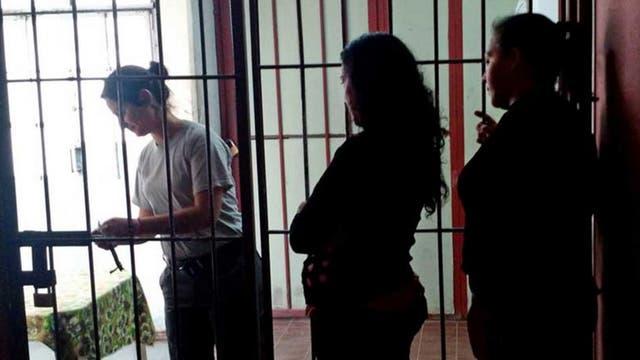 Unas 131 mujeres conviven con sus hijos menores de 4 a?os en cárceles argentinas