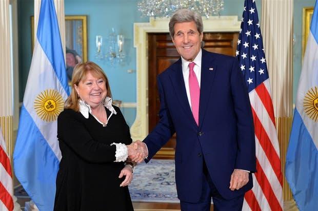 La canciller Malcorra conversó ayer animadamente con el secretario de Estado, John Kerry