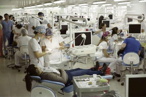 Equipamiento de avanzada en el Hospital Odontológico de la UBA