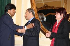 En 2011, el presidente Evo Morales le tomó juramento a Carlos Romero y a Claudia Peña como ministro de Gobierno y de Autonomías, respectivamente
