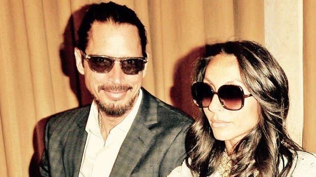 Cornell y su esposa Vicky, quien no está segura de los resultados forenses preliminares