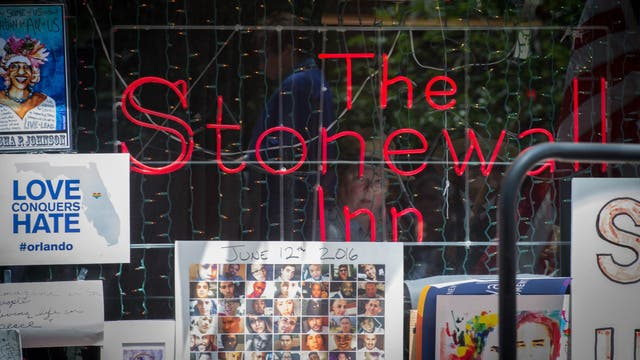 El Stonewall Inn, el bar neoyorquino en el que comenzaron los disturbios que, en 1969, dieron comienzo a la lucha por los derechos civiles de la comunidad LGBT, fue declarado monumento nacional este fin de semana