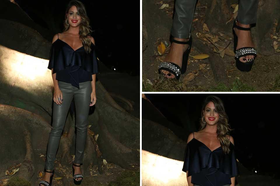 Agustina Casanova apostó a una combinación que se viene para esta temporada: azul + gris; ¿Qué opinán de su look?.
