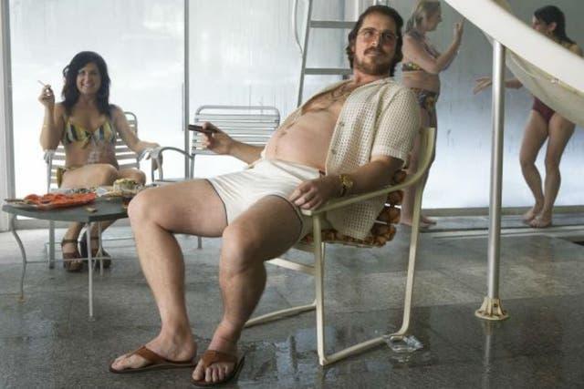 Christian Bale subió de peso para su interpretación en Escándalo americano
