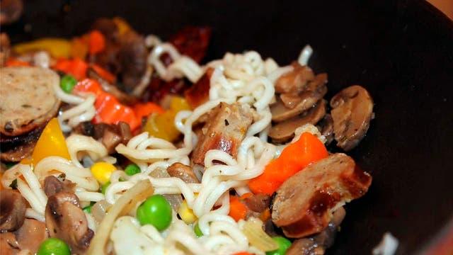 Qu pod s cocinar con un wok m s all de la comida china for Cocinar wok en casa