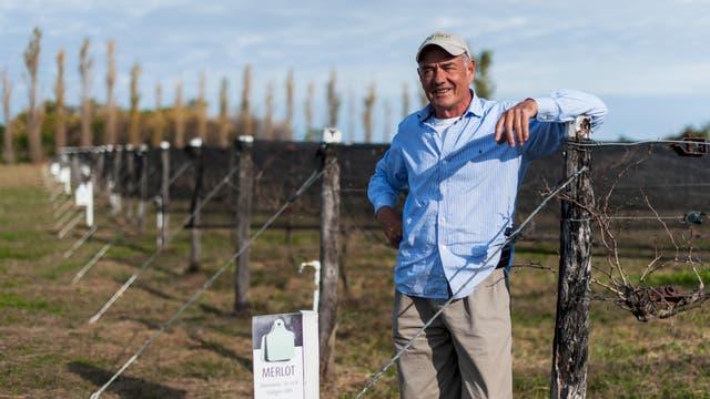 Ruben Tealdi, propietario de bodegas y viñedos La Paula, en Victoria, Entre Ríos, donde produce vinos de forma artesanal. Foto: LA NACION / Marcelo Manera
