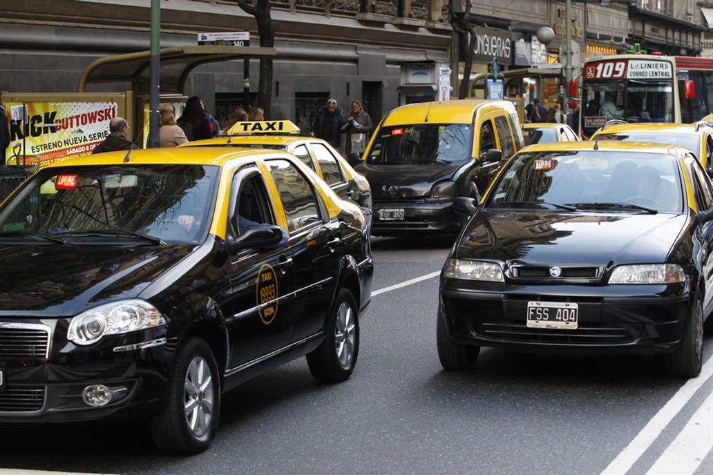 Fuerte aumento en las tarifas de los taxis porteños