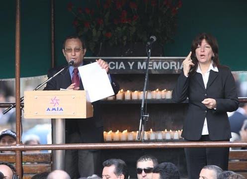 Se realizó un nuevo acto en conmemoración de los 85 fallecidos el 18 de julio de 1994. Foto: LA NACION / Federico Guastavino