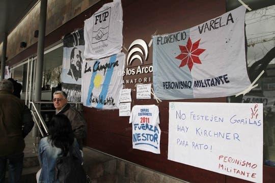 Muestras de apoyo al diputado tras la intervención. Foto: LA NACION / Emiliano Lasalvia