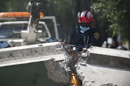 El epicentro se localizó al suroeste del país, cerca de Acapulco y se sintió con intensidad en DF. Foto: AFP