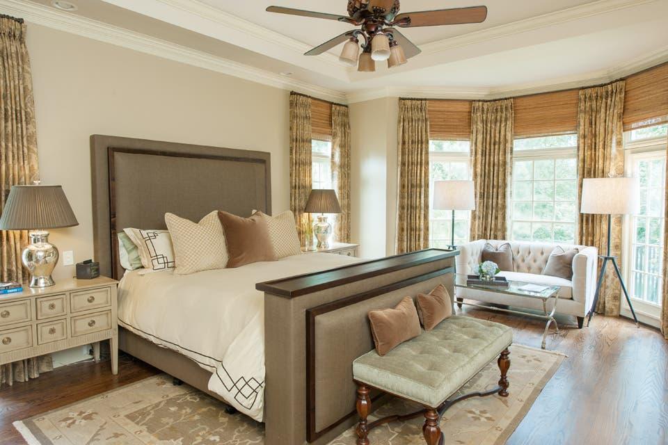 En equilibrio: la mezcla de elementos modernos y tradicionales resulta perfecta en este dormitorio.