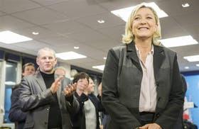 Marine Le Pen, aplaudida ayer por sus partidarios del Frente Nacional, que se consolidó como fuerza nacional