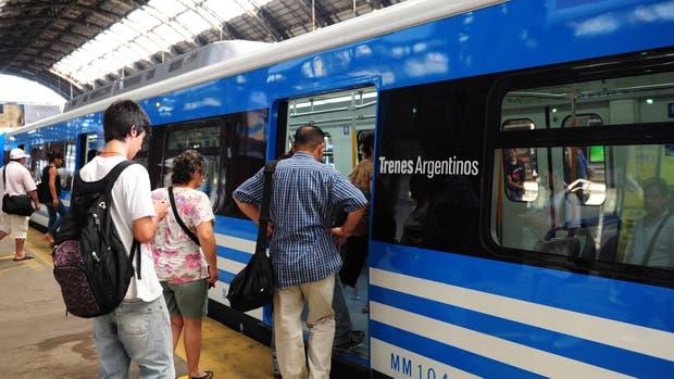 El tren Mitre ramal Tigre funciona con servicio limitado