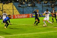 En Formosa, Vélez dio un primer paso positivo en la Copa Argentina