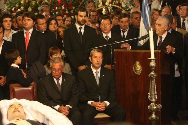 Murió el vicepresidente de Raúl Alfonsín, Víctor Martínez