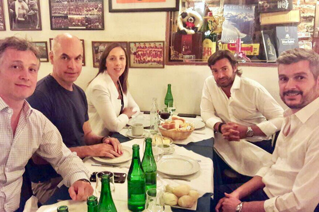 Vidal y Marcos Peña encabezaron el primer timbreo del año de Cambiemos