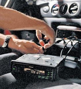 La sustracción de estéreos parecía pasada de moda, pero volvieron a inquietar a los automovilistas