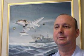 Guillermo Dellepiane. En 1982 tenía 24 años y conducía un avión. Hoy es el director de la Escuela de Guerra Aérea.