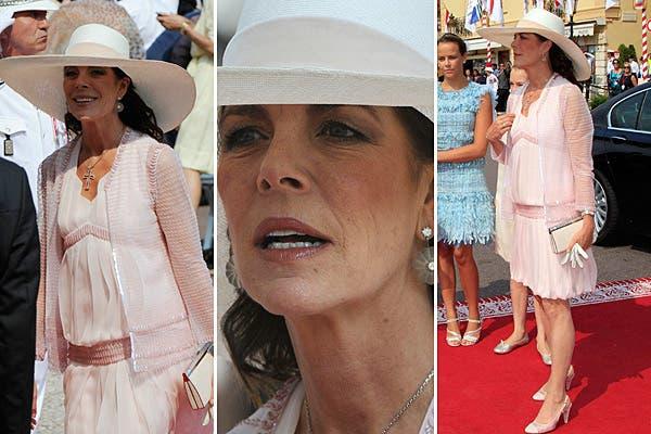 Por supuesto, Carolina llevó un conjunto de Chanel, firma de la que es fanática; eligió un vestido rosa pálido tableado con un corte a la cadera que combinó con una chaqueta transparente. Foto: Reuters/AP/AFP/EFE