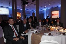 Luis Etchevehere (SRA), Norberto Frigerio (la nacion), Carlos Garetto (Coninagro), Marcelo McGrech (Banco Galicia), Rubén Ferrero (CRA), Gastón Bordieu (Banco Galicia) y Daniel Pelegrina (SRA)