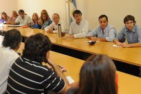 El ministro de Educación Esteban Bullrich, reunido con gremios en paritarias