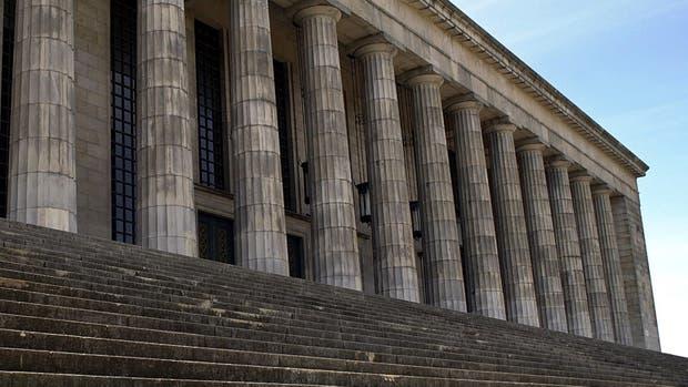"""El Ministerio de Educación de la Nación dispuso hoy la creación de un """"registro público de graduados universitarios"""" que podrá consultarse online"""