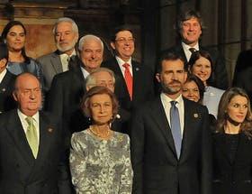 Boudou representó al país ayer en la Cumbre Iberoamericana, en Cadiz. El protocolo español lo ubicó bien al fondo en la foto de familia. El vicepresidente mantuvo un bajísimo perfil