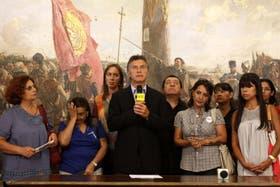 Macri ayer se mostró con las víctimas de la tragedia de Once