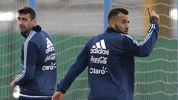 Pratto y Otamendi, dos jugadores que Bauza utilizará como titulares en su primera formación con la selección