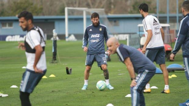 Messi en el primer entrenamiento en AFA